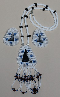 Beaded Medallion Necklace & Earrings-Howling Coyote